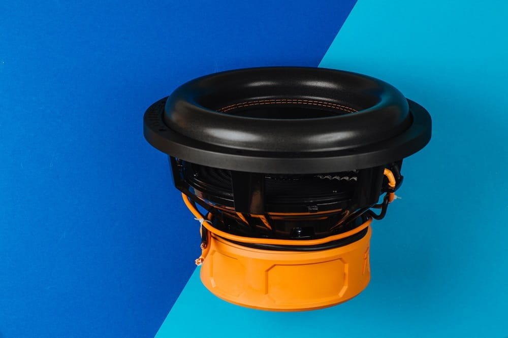 Benefits of 15-Inch Competition Subwoofers for Cars