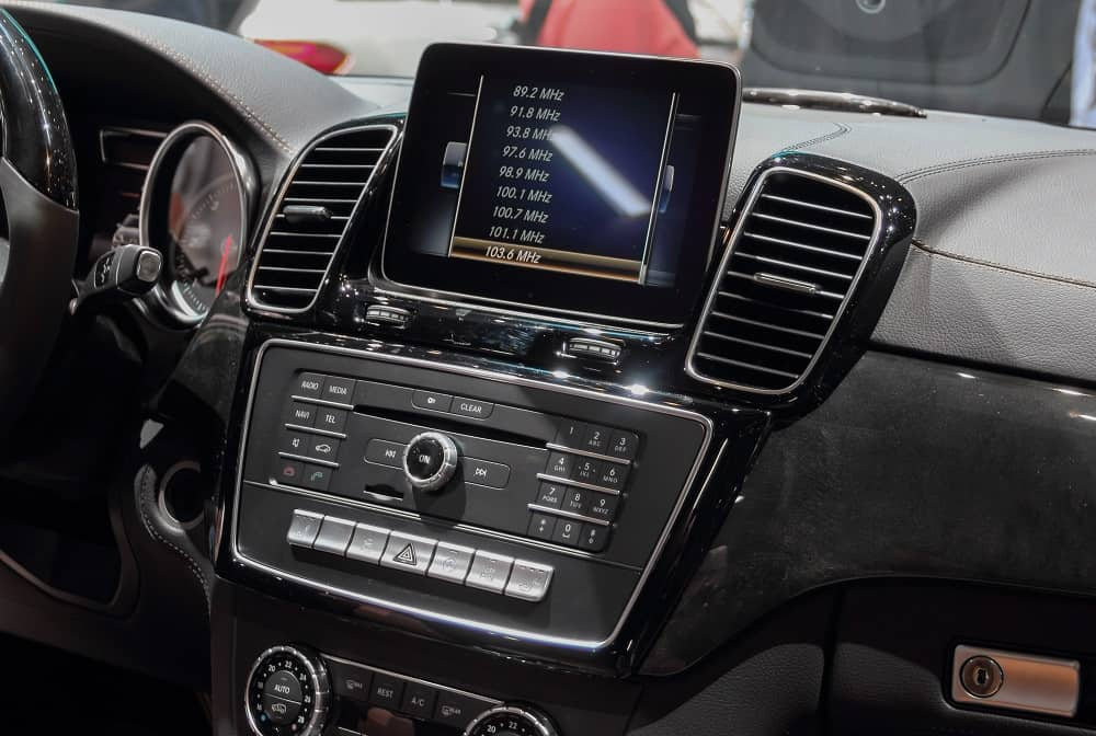 Top Flip Out Car Stereo with Navigation