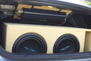 Can You Mount a Car Amp Upside Down?
